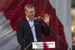 Setzt sich langsam durch: Ex-Premier und DK-Vorsitzender Ferenc Gyurcsány, hier bei einer Parteiveranstaltung zum Nationalfeiertag am 23. Oktober 2013.