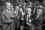 Ein historischer Moment: Österreichs Außenminister Alois Mock (l.) und sein ungarischer Amtskollege Gyula Horn durchtrennten am 27. Juni 1989 symbolisch den Eisernen Vorhang. Foto: picture-alliance / dpa