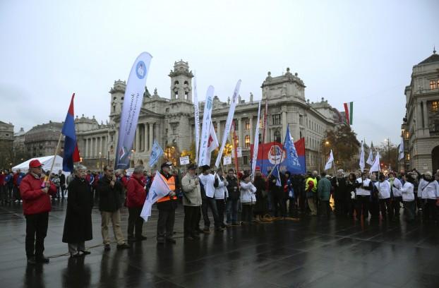 A Vasas Szakszervezeti Szövetség demonstrációja Budapesten