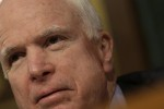 """US-Senator McCain bezeichnete Orbán als """"neofaschistischen Diktator"""". Foto: AFP"""