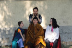 Einmal König sein: Dank Geret Kiss konnten die Kinder die Geschichte König Matthias´ einmal ganz neu erleben. (Foto: Noémi Antal)