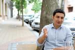 Ein gebürtiger Armenier aus der Ukraine in Ungarn: Artak verbindet unzählige Erinnerungen mit diesen Ländern, doch Zuhause ist und bleibt für ihn, wo sein Herz ist. (BZT-Fotos: Nóra Halász)
