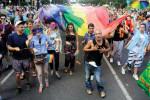 Die Budapest Pride ist bunt und will provozieren – aber nicht zu Gewalt, sondern zum nachdenken über Gleichberechtigung und Minderheitenrechte.