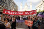 Demonstráció a magyar-szerb határra tervezett kerítés ellen