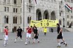 Paksi bõvítés - A Greenpeace akciója a Kossuth téren