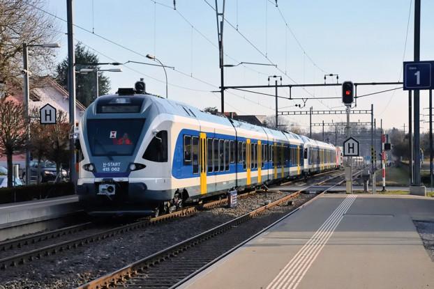 Neue Züge: Demnächst könnten auch in die Vorstädte solche neuen Flirt-Bahnen eingesetzt werden.