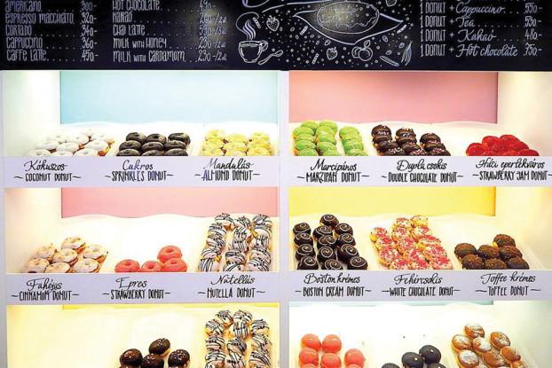 """Süße Kalorienbomben: Die bunten Zuckerkringel sind die wohl genüsslichste Art, sich die Figur zu ruinieren."""""""