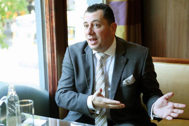 """Jean Pierre Mifsud, Generaldirektor des Corinthia Hotel Budapest: """"In den letzten fünf Jahren wurde eine gute Strategie verfolgt."""" (BZT-Fotos: Nóra Halász)"""
