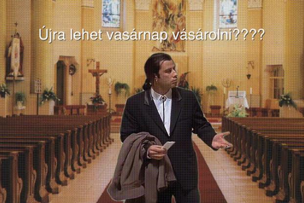 Gähnende Leere: Auch John Travolta schaut sich nur fragend um, wo die Menschen am Sonntag nun alle sind.